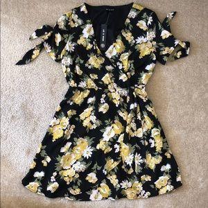 As U Wish Floral V-Neck Dress S